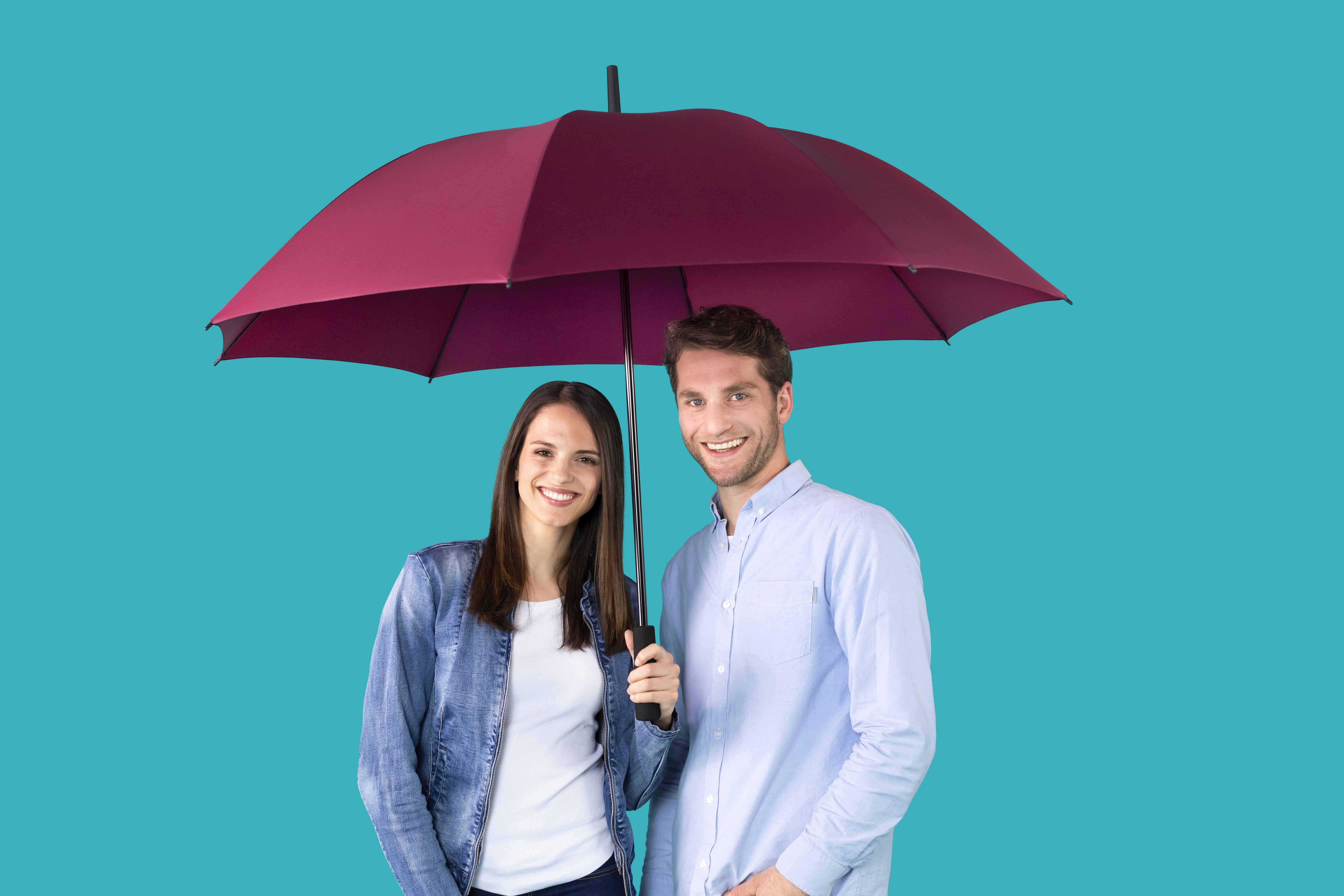 Große Regenschirme